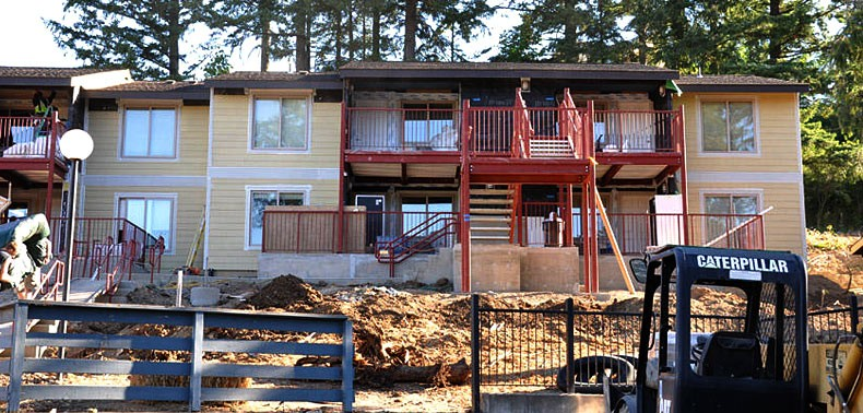 All Trades GC Timber Grove Apartments - Siding and Railing Rehab